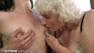 21Sextreme Nubile is Slit-Diving Grannie's Cell